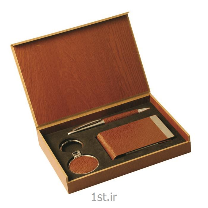 ست هدیه تبلیغاتی 3 تیکه خودکار فلزی - جاکلیدی چرم و جاکارتی چرم SM63