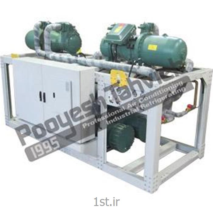 عکس چیلر صنعتیچیلر آبی 160 تن نامی اسکرو water cooled water chiller - screw R22
