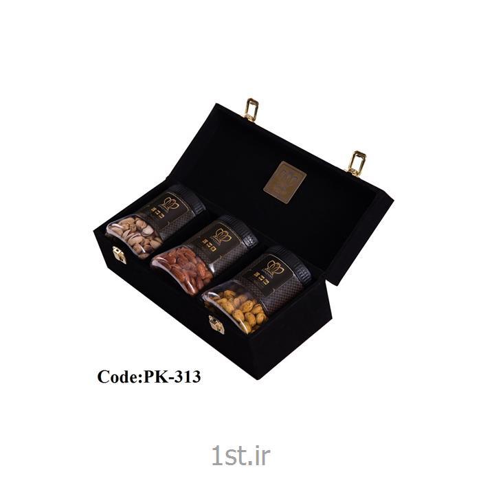 پک پسته کله قوچی 300 گرمی 3 عددی با جعبه مخمل همراه با طعم های مختلف