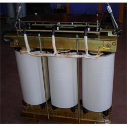 عکس ترانسفورماتور هاترانسفورماتور ایزوله خشک 400 به 400 ولت  100 کیلو آمپر