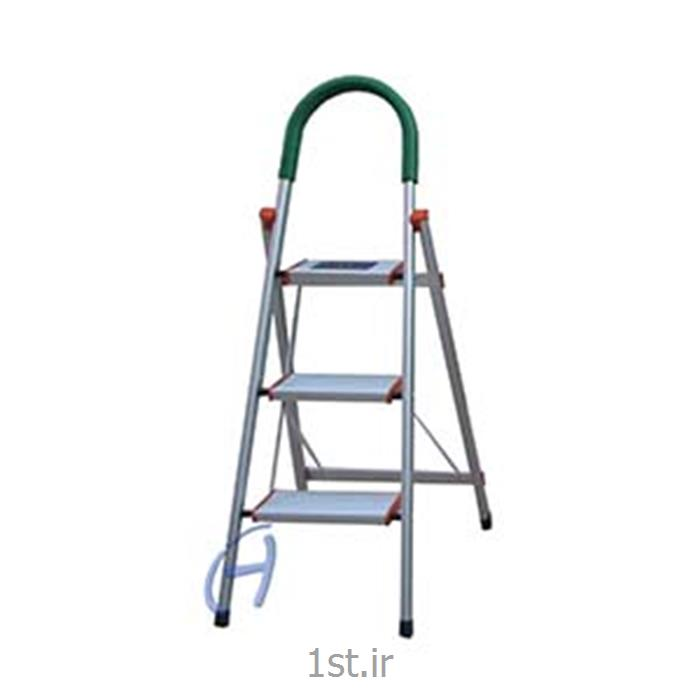 نردبان سه پله  تاشو آلومنیومی پارتیان