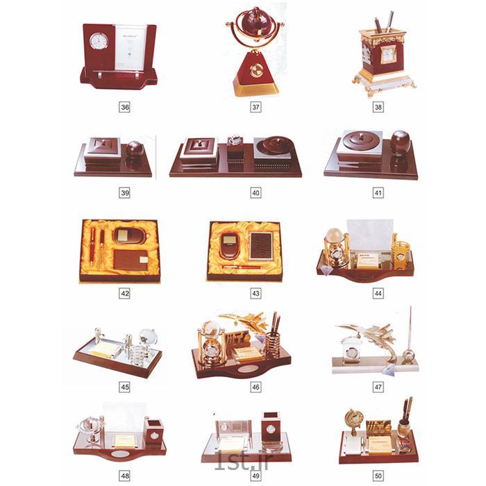 http://resource.1st.ir/CompanyImageDB/31b42031-d3ec-4275-9ec4-c81fbfbc3687/Products/02efc32d-4030-4976-b77c-ed8ff3cd1039/4/550/550/ست-هدایای-تبلیغاتیGHANARY.jpg