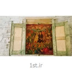 عکس صنایع دستی ظریف و مینیاتورتابلو نقاشی سنتی  ایرانی داخل درب قدیمی