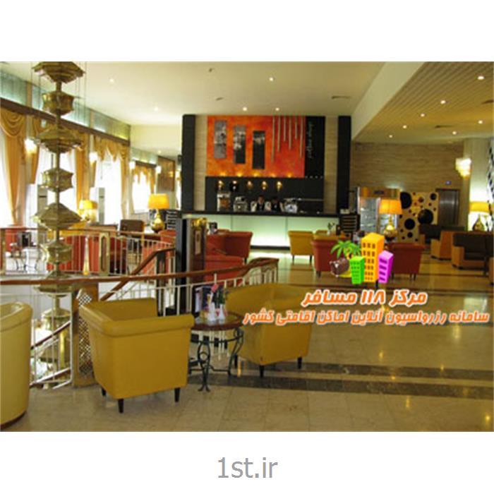 عکس خدمات هتلرزرو آنلاین هتل 5 ستاره استقلال تهران با 52 درصد تخفیف