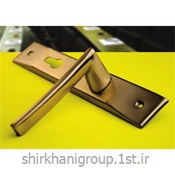 عکس دستگیره درب و پنجرهدستگیره پلاک آلومینیمی B4000 مناسب جهت در چوبی و آلومینیمی