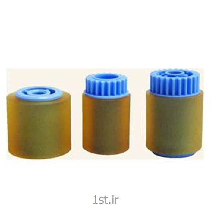 http://resource.1st.ir/CompanyImageDB/46e9296e-b05c-4a51-8e8f-998545fc7788/Products/ac571ac4-031e-4a58-96ba-f2bdef380384/1/550/550/غلتک-کاغذ-کش-دستگاه-ریکو-مدل-mp-7000.jpg