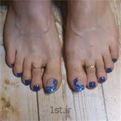 عکس آرایشگاه زنانهکاشت ناخن شست پا