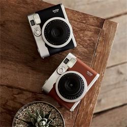 عکس دوربین دیجیتالدوربین چاپ سریع فوجی فیلم مدل Instax Mini 90