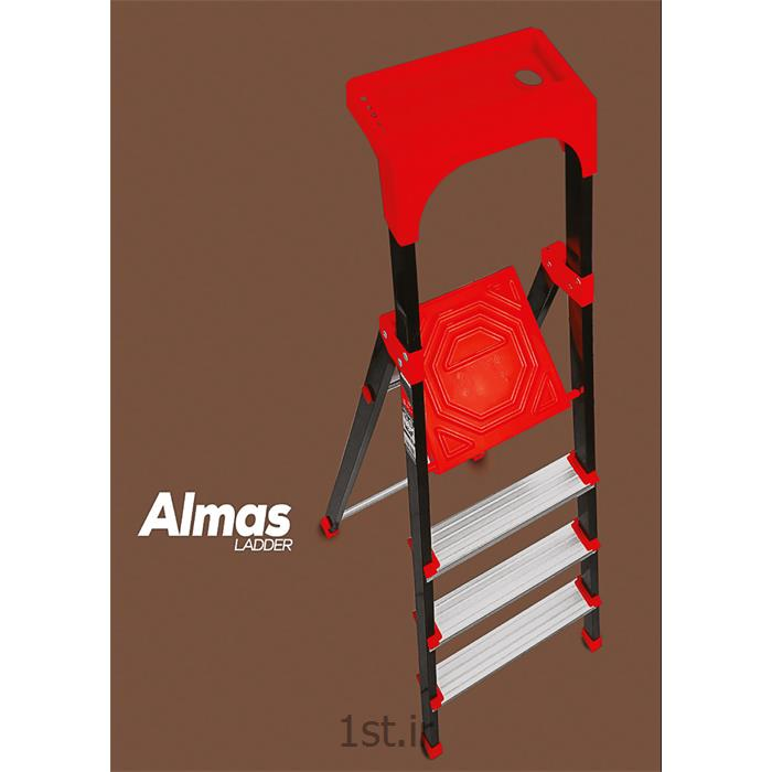 عکس نردباننردبان آلومینیومی 5 پله جعبه ابزار دار الماس