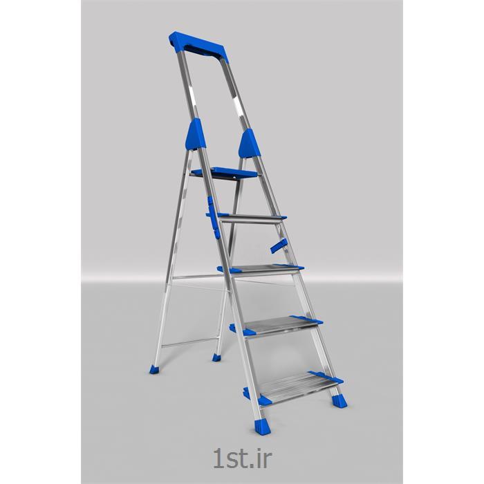 http://resource.1st.ir/CompanyImageDB/8594175b-6593-4241-962f-605a3e9318bc/Products/96af60e8-662e-408f-b5cf-f20f7d8ff1c8/1/550/550/نردبان-آلومینیومی-5-پله-هایلوکس.jpg