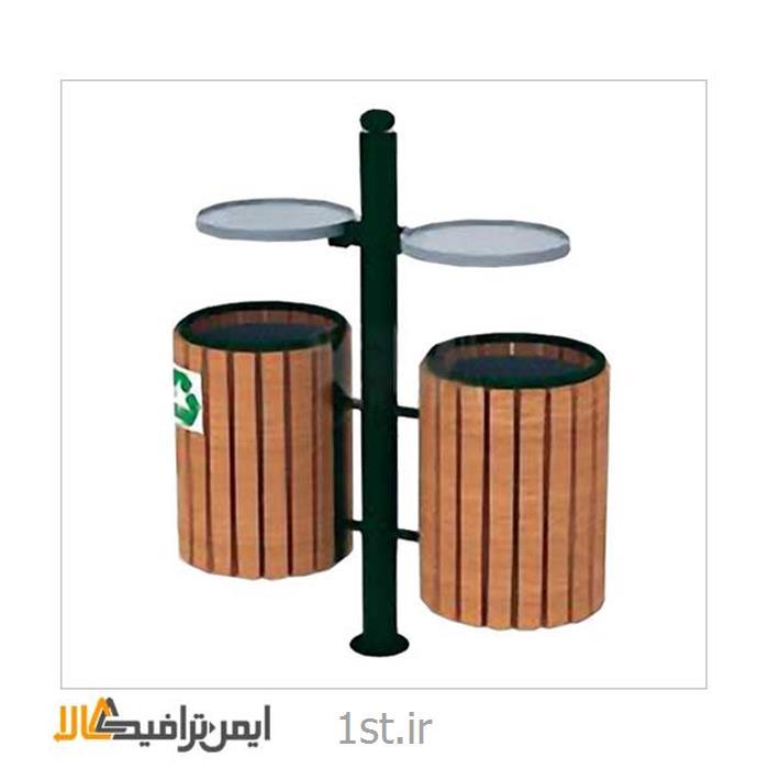 سطل زباله ایستاده شهری چوبی
