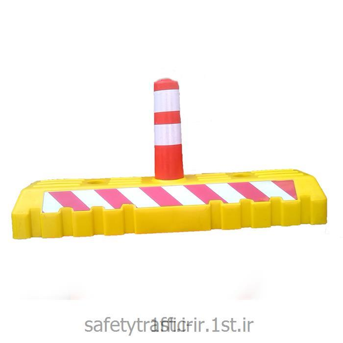 عکس موانع ترافیکیجداکننده یک متری با استوانه ارتجاعی