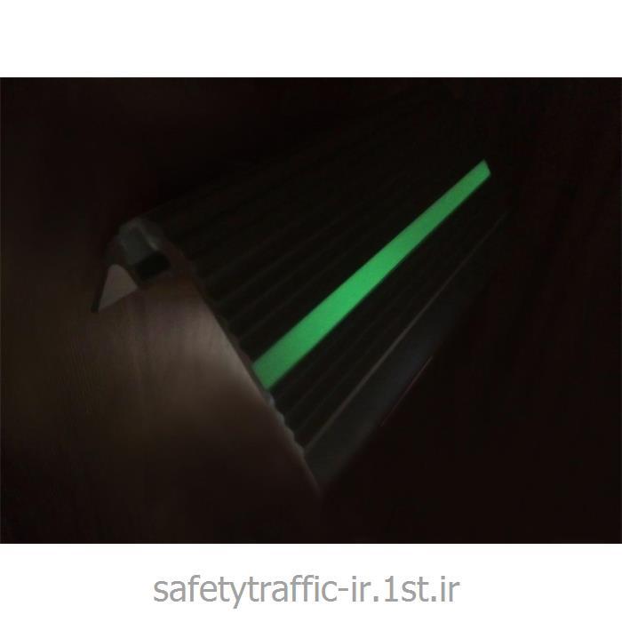 ترمز پله آلومینیومی تک نوار LED مدل 06