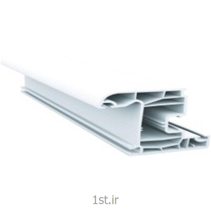 عکس پنجرهپروفیل لنگه پنجره سری 70 پنج کانال سفید و لمینیت طرح چوب مدل 7003