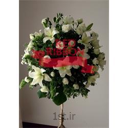 گل آرایی تیوپ گل بر روی استخر و آب برای مراسم ها