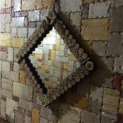 عکس صنایع دستی و هنری آمادهقاب آینه چوبی دست ساز تزئینی و دکوری