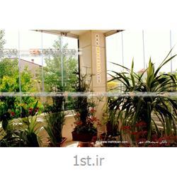 عکس خانه شیشه ایگلخانه شیشه ای مهر (پارتیشن شیشهای متحرک مدل آکاردئونی)