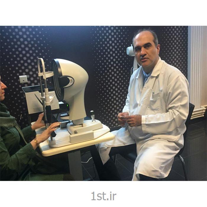 عکس تشخیص و درمان دردتعیین نمره چشم با دستگاه اتورفرکتومتر