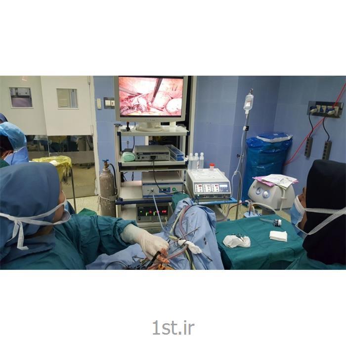 عکس جراحیدر اوردن رحم از طریق لاپاروسکوپى