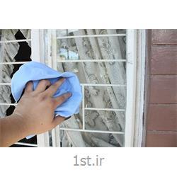 نظافت شیشه و  پنجره راه پله