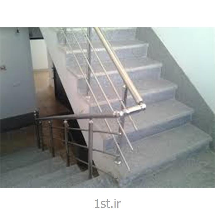 کارگر ثابت جهت نظافت راه پله