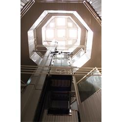 عکس آسانسورآسانسورهای بدون موتورخانه MRL