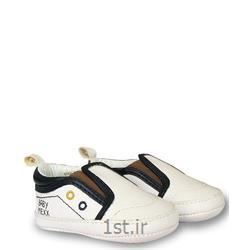 عکس کفش بچهکفش پسرانه سفید بغل کش دار مکس Mexx